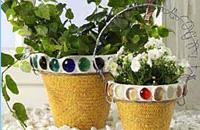 Украсьте цветочный горшок с помощью клея UHU