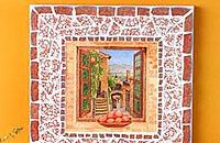 Рамка из мозаики сделана с использованием клея UHU для мозаики